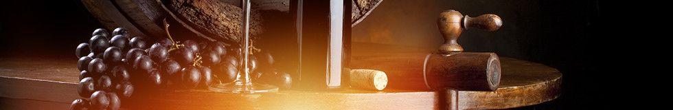 <p><strong>MORELLINO DI SCANSANO |&nbsp;</strong>TOSCANA | CASA VINICOLA: POGGIO ARGENTIERA |<strong>&nbsp;18,00&euro;</strong></p><p><strong>COL DI SASSO&nbsp;|&nbsp;</strong>PIEMONTE | CASA VINICOLA: BANFI&nbsp;<strong>|&nbsp;12,00&euro;</strong></p><p><strong>DOLCETTO D&rsquo;ALBA S. ROSALIA |&nbsp;</strong>PIEMONTE | CASA VINICOLA: CHIARLO |&nbsp;<strong>21,00&euro;</strong></p><p><strong>BARBERA D&rsquo;ALBA S. ROSALIA 07 |&nbsp;</strong>PIEMONTE | CASA VINICOLA: BRAIDA |&nbsp;<strong>25,00&euro;</strong></p><p><strong>BARBERA MOSSA |&nbsp;</strong>PIEMONTE | CASA VINICOLA: BRAIDA |&nbsp;<strong>21,00&euro;</strong></p><p><strong>GRIGNOLINO |&nbsp;</strong>PIEMONTE | CASA VINICOLA: BRAIDA |<strong>&nbsp;21,00&euro;</strong></p><p><strong>NEBBIOLO D&rsquo;ALBA PARIGI 06 |&nbsp;</strong>PIEMONTE | CASA VINICOLA: CHIARLO |&nbsp;<strong>25,00&euro;</strong></p><p><strong>BAROLO MONVIGLIERO 04 |</strong>&nbsp;PIEMONTE | CASA VINICOLA: GAJA |&nbsp;<strong>60,00&euro;</strong></p><p><strong>TEROLDEGO |&nbsp;</strong>ALTO ADIGE | CASA VINICOLA: FORADORI |&nbsp;<strong>27,00&euro;</strong></p><p><strong>AMARONE CLASSICO VALPOLICELLA 03 |&nbsp;</strong>VENETO&nbsp;| CASA VINICOLA: VAONA |<strong>&nbsp;40,00&euro;</strong></p><p><strong>BARBARESCO |&nbsp;</strong>PIEMONTE | CASA VINICOLA: CHIARLO |&nbsp;<strong>45,00&euro;</strong></p><p><strong>VALPOLICELLA CLASSICO SUPERIORE 06 |&nbsp;</strong>VENETO | CASA VINICOLA: VAONA |&nbsp;<strong>15,00&euro;</strong></p><p><strong>SANTA MADDALENA |&nbsp;</strong>ALTO ADIGE | CASA VINICOLA: LAGEDER |&nbsp;<strong>22,00&euro;</strong></p><p><strong>INFERNO</strong>&nbsp;| VALTELLINA | CASA VINICOLA: NERA |&nbsp;<strong>25,00&euro;</strong></p><p><strong>CHIANTI |&nbsp;</strong>TOSCANA | CASA VINICOLA: FRESCOBALDI |&nbsp;<strong>15,00&euro;</strong></p><p><strong>BONARDA |&nbsp;</strong>EMILIA ROMAGNA | CASA VINICOLA: PERNICE |&nbsp;<strong>14,00&euro;</strong></p><p><strong>SYRHA |&nbsp;</strong>SICILIA | CASA VINICOLA: IL BOSCO |